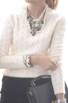 Fashion: trends, outfit ideas, what to wear, fashion news and runway looks Mode Chic, Mode Style, Top Mode, Cooler Look, Mode Outfits, Work Fashion, Style Fashion, Jw Fashion, Fashion Quotes