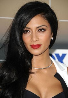 Possibly the Hottest Makeup Look Ever in History: Nicole Scherzinger's Red Lips and Gold Eyes: Girls in the Beauty Department