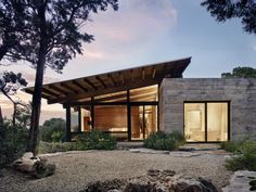 Tucked into the Hill Country canyons, the buildings of Canyon Preserve stair step down steep, rocky slopes of oaks, first growth cedar and . Lake Flato, Concrete Houses, Modern Exterior, Maine House, Residential Architecture, Prefab Homes, Modern House Design, Interior, Barndominium