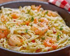 Spaghetti aux crevettes safranées et sauce soja Linguine Recipes, Seafood Recipes, Pasta Recipes, Cooking Recipes, Healthy Recipes, Seafood Linguine, Recipes With Soy Sauce, Food Porn, Salty Foods