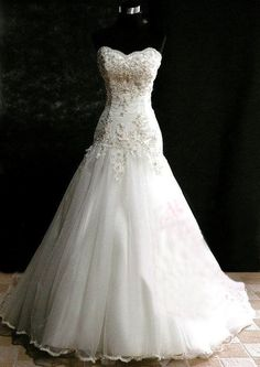 Magnificent, jaw-dropping dress Perfect 'shape'