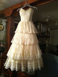 ROMANTIC LACE An absolute dream of a dress. Vintage Gunne Sax By Jessica McClintock Ivory All by TomsCloud, $150.00