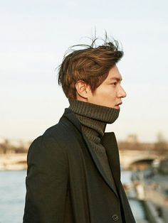 A management agency chief was booked without detention Tuesday for allegedly tricking people to invest in the making of actor Lee Min-ho's photobook and embezzling the money. Asian Actors, Korean Actors, Lee Min Ho Wallpaper Iphone, Beckham, Lee Min Ho Kdrama, Kang Haneul, O Drama, Lee Min Ho Photos, Hallyu Star