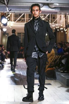 Yohji Yamamoto Menswear Fall Winter 2016 Paris