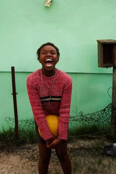 Full of bright colors and a big smile, an inspirational attitude for the day. From Jeremy Cowart. #happiness