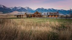 House of Harmony: rustic and refined elements come together to create this Montana masterpiece.