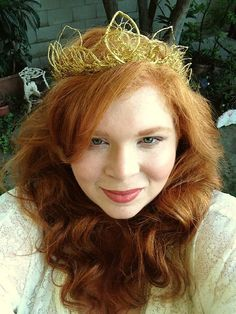 OOAK Whimsical Gold Tone Wire tiara with gold leaf design. Made by NeverEnding Designs. This beautiful full crown would be perfect for brides at weddings, renaissance faires, or elaborate Halloween costumes as queens, fairies, or princesses.