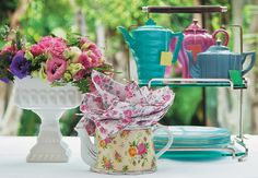 Nem fila no restaurante nem almoço em casa. A proposta para comemorar o Dia das Mães é um chá da tarde em grande estilo