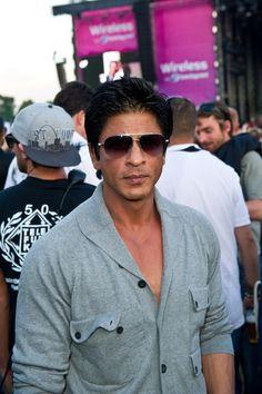 bcda22f2da01 Shahrukh Khan - Wireless sponsored By Barclaycard Shahrukh Khan Family