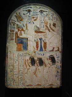 Fausse porte de Shespy (Template:VIe dynastie égyptienne, trouvé à Abydos), Musée national, Alexandrie, Égypte). by Nefermaat    Civilização Egípcia/Antigo império - Wikilivros