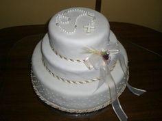 Resultado de imagen para tortas de comunion para varones con iglesias Boy Communion Cake, First Holy Communion Cake, Comunion Cakes, Cupcake Cookies, Cupcakes, Religious Cakes, Beautiful Wedding Cakes, Cakes For Boys, Cakes And More