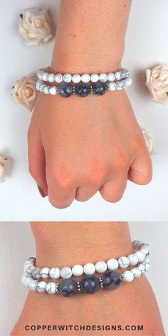 Make your own memory wire bracelet kit and create your own DIY jewelry with this jewelry tutorial now #jewelrykits #DIYjewelry #handmadejewelry #jewelry Jewelry Kits, Etsy Jewelry, Memory Wire Bracelets, Beaded Bracelets, Handmade Jewelry Tutorials, Copper Jewelry, Artisan Jewelry, Witch, Create