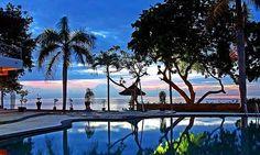 Dolphin watching at Lovina Resort