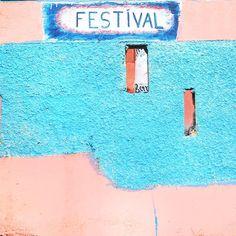 """F E S T I V A L🙌🏽 #festival #jamaica . """"フェスティバル"""" ってゆうフードがめっちゃ美味しくてハマった♡ サーターアンダギーみたいで美味い♡ . これ☝︎はどっかその辺のお店wの壁☺︎ ジャマイカもかわいい壁いっぱいあった*\(^o^)/* #ジャマイカ suppoted by CASIO"""