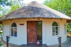 Round House Plans, Guest House Plans, Hut House, Tiny House Cabin, Cabana, Small Cottage Plans, Sustainable Building Design, African Hut, Home Design Images