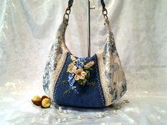 www.facebook.com/ilko2 Ilkó táskák és pénztárcák megrendelésre. Egyedi kézműves alkotások, szalaghímzés, 3D technológia.  Álmodd meg és én megvalósítom.