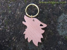 Porte-clés en bois de hêtre Loup hurlant en chantournage