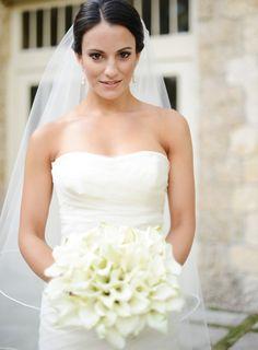 Elegant Bridal Portrait   photography by http://www.ligaphotography.com/
