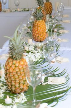 Hawaiian Wedding Luau with Beach Wedding Planners (luau party on a budget) Thema Hawaii, Pineapple Centerpiece, Summer Table Decorations, Hawaian Party, Estilo Tropical, Hawaiian Theme, Hawaiian Wedding Themes, Hawaiian Birthday, Hawaiian Luau