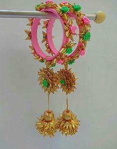 Silk Thread Bangles Design, Thread Jewellery, Fabric Jewelry, Flower Jewelry, Fashion Jewellery, Jewellery Box, Fashion Bracelets, Beaded Jewelry, Gota Patti Jewellery