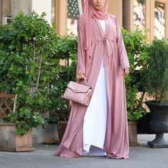 Your summer look is here with our gorgeous Melanie Abaya. Go from daytime glam to evening chic with this soft, ladylike design. Frock Fashion, Abaya Fashion, Modest Fashion, Fashion Outfits, Abaya Designs, Burqa Designs, Hijab Style Dress, New Abaya Style, Muslim Women Fashion