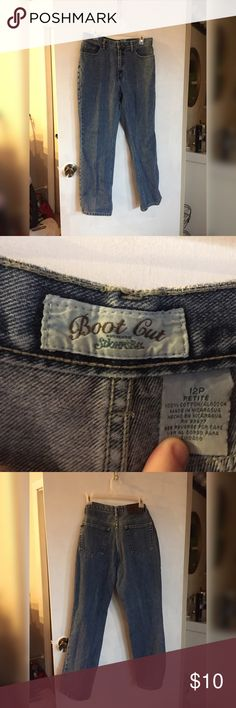 "🆕 St. John's bay petite jeans - Fantastic condition. Gently used, only defect is the brown label on the back, kind of worn in. [See pic 4] - medium wash -  women's size: 12 petite, (28""/29""/30"" length) - St. John's Bay brand. St. John's Bay Jeans"