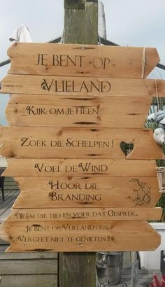 Badhuys Vlieland Chios, Driftwood Art, Weekend Getaways, Places To Travel, Seaside, Netherlands, Places Ive Been, Holland, Dutch