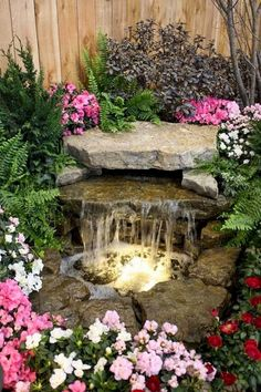 Lovely Backyard Waterfall And Pond Landscaping Ideas - 庭のアイデア Small Water Features, Water Features In The Garden, Stone Water Features, Outdoor Water Features, Garden Features, Garden Waterfall, Small Waterfall, Waterfall Fountain, Small Backyard Landscaping