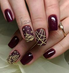 Bright fashion nails, Festive maroon nails, Manicure 2018, Maroon nails, Nails with golden glitter, New years nails, Party nails ideas, Winter nail art