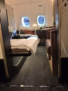 Etihad's brand new Airbus A-380-800 - The Residence. Dec 2014. First Class Plane, First Class Airline, Flying First Class, First Class Flights, First Class Seats, Luxury Jets, Luxury Private Jets, Private Plane, Cinema Architecture