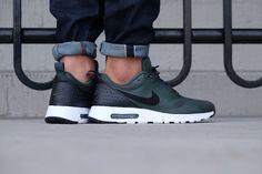 Air Max Tavas Grove Green/ Black-White