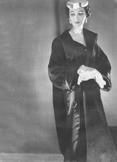 Dovima, photo by Horst P. Horst, Vogue, 1953
