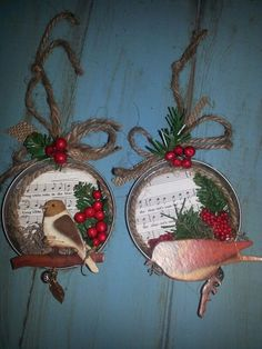 simple and festive mason jar lid ornaments for Christmas decoration in 20 minutes - do it yourself to do when bored crafts jar crafts crafts Diy Christmas Ornaments, Homemade Christmas, Rustic Christmas, Christmas Projects, Holiday Crafts, Christmas Holidays, Christmas Decorations, Mason Jar Christmas, Santa Ornaments