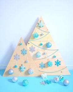 DIY Wood Christmas Tree with blue ornaments - northstory