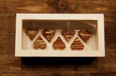 Viljattoman Vallaton: Ystävänpäivän fudge Dog Bowls, Fudge, Tray, Home Decor, Decoration Home, Room Decor, Board, Interior Decorating