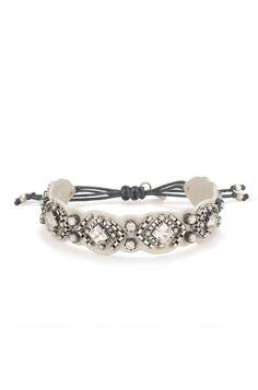 Un coup de coeur : détails brodés à la main sur un bracelet en cuir véritable | Stella & Dot