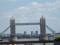 London bridge in spring 2011, miss so much time in  London. Meaby I back there, we'll see