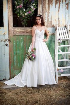 Promises of Love by Amanda Wyatt Bridal Gown Style - sapphire
