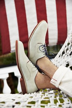 Johnston And Murphy - Summer Weekend Style + Charleston Getaway Giveaway Sock Shoes, Men's Shoes, Shoe Boots, Mens Fashion Shoes, Men's Fashion, Fashion Menswear, White Dress Shoes, Italian Leather Shoes, Well Dressed Men