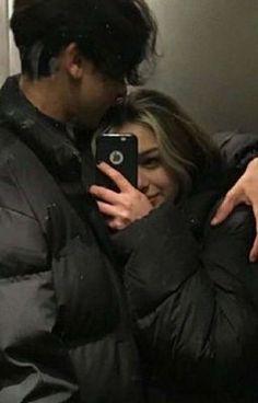 Cute Couples Photos, Cute Couple Pictures, Cute Couples Goals, Couple Photos, Emo Couples, Teenage Couples, Couple Goals Relationships, Relationship Goals Pictures, Couple Grunge