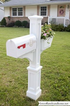 Quick & Easy Mailbox Makeover in under an hour! Give your mailbox a facelift with this beautiful vinyl post cover from Lowes.