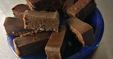 Mennyei Házi csoki recept! Sweet Treats, Cooking Recipes, Candy, Chocolate, Food, Minden, Kuchen, Sweets, Cheer Snacks