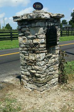 Field stone mailbox Versailles ky BTC DRYSTONE  btcdrystone@gmail.com
