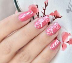 http://www.nail-art-sakura.com/potion-polish-summer-in-new-york/  Une vidéo rapide de mon nail art Romantiques Arabesques sur le beau Central Park Peonies de Potion Polish un beau vernis en fond, un pinceau de détail, de la peinture blanche et le tour est joué ^^ Cela vous tente ?  Un petit j'aime si vous aimez :) #nailart #nailsticker #manicure #nailtreatment #nailgel
