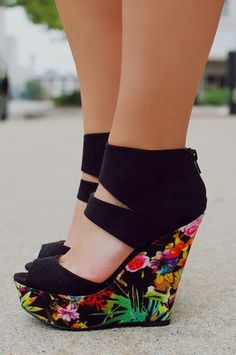 Shoes Summer Trends - I can't wait to change the wardrobe. The Best of wedges in 2017. #wedgesshoesoutfit