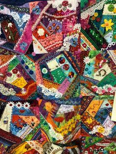 Crazy Quilting, Quilts, Blanket, Quilt Sets, Blankets, Log Cabin Quilts, Cover, Comforters, Quilting
