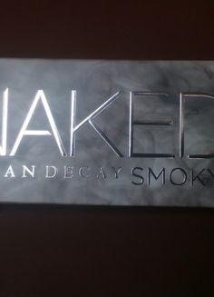 Kupuj mé předměty na #vinted http://www.vinted.cz/kosmetika-a-prislusenstvi/dekorativni-kosmetika-kosmetika/11288770-naked-smoky-palette-urban-decay