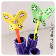 Lápices decorados con mariposas de foami