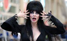 Showbiz Analysis with Elvira, Mistress of the Dark