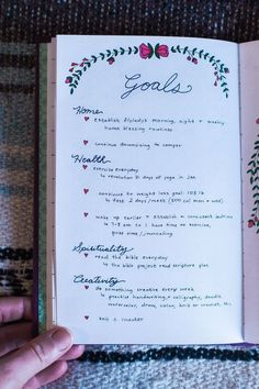 Do you bullet journal? Check out these awesome bullet journal pages to use if you want to use your bullet journal for tracking goals! 2017 Bullet Journal, Bullet Journal Layout, My Journal, Bullet Journal Inspiration, Journal Notebook, Journal Pages, Journal Ideas, Bullet Journal 5 Year Plan, Blank Notebook Ideas